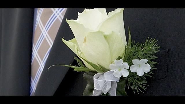 Blumen_Braeutigam_8710_web